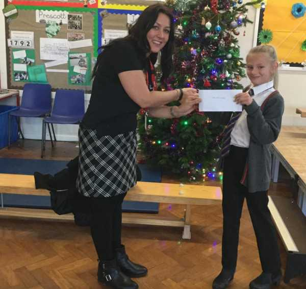Prescott House, Stockwell Academy, East Hull donate £50 in memory of Steve Prescott