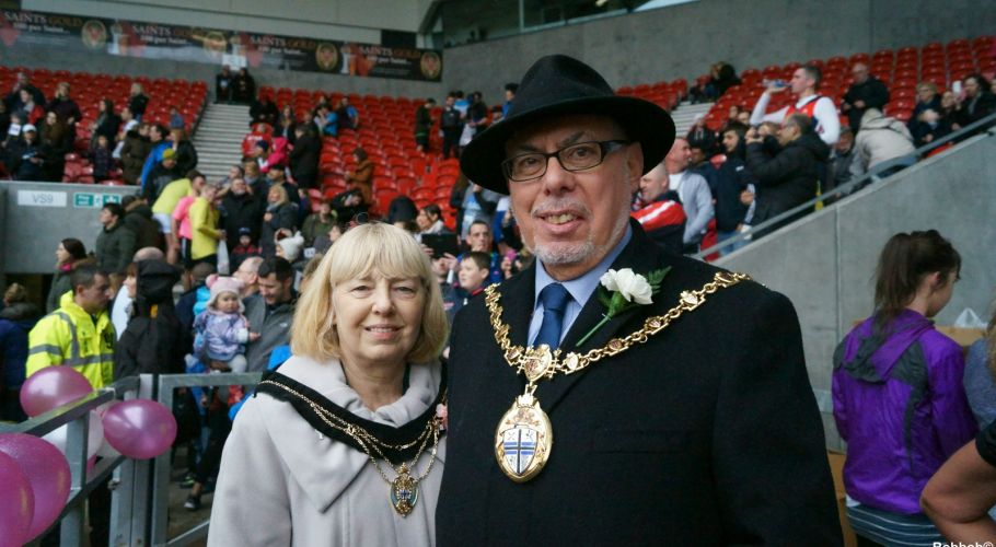 19 Mayor and Mayoress of S.Helens [1600x1200]